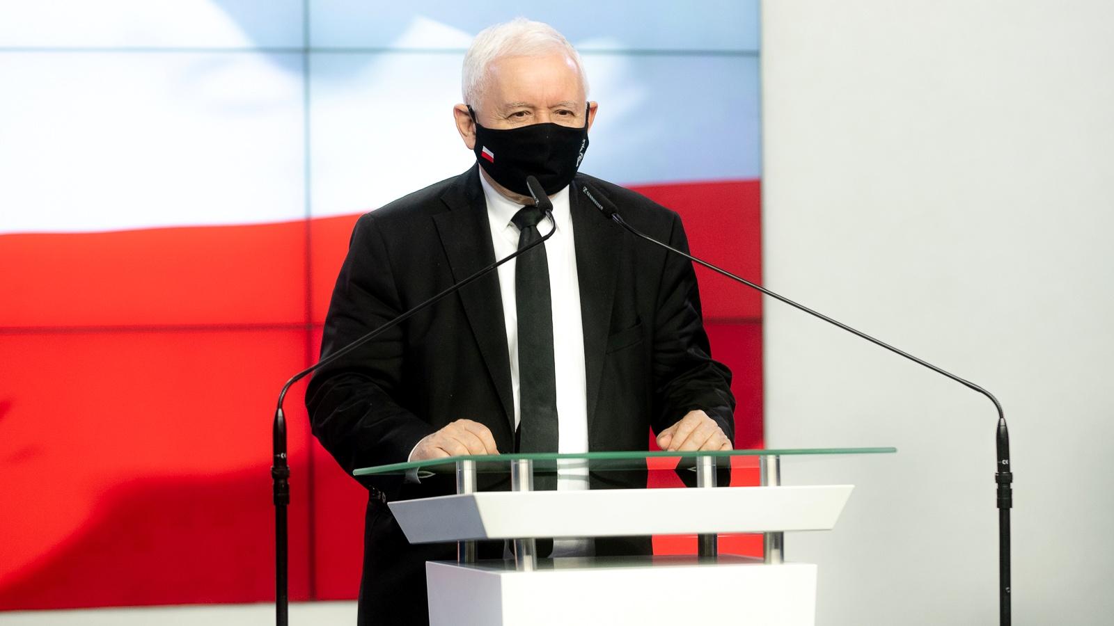 Marszałek Mazowsza porównał Kaczyńskiego do Hitlera. Teraz musi go przeprosić