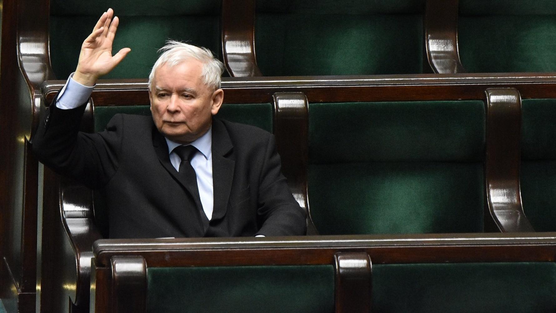 """""""Fiasko operacji"""". Jak Kaczyński chciał przekupić posła, aby oddał mandat"""